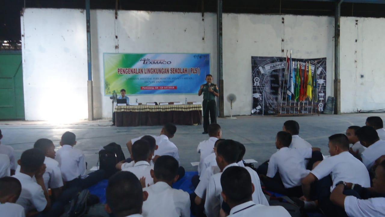 DANRAMIL 01/PEMALANG BERI WAWASAN KEBANGSAAN UNTUK SISWA BARU SMK TEXMACO