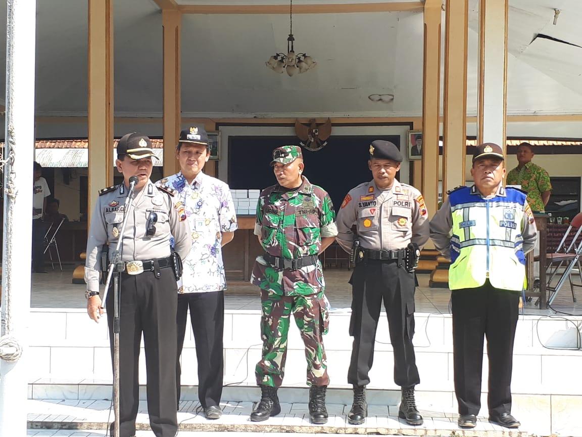 DAN RAMIL 09/BANTARBOLANG HADIRI GELAR APEL PASPAM PILKADES SERENTAK DI WIL KEC. BANTARBOLANG