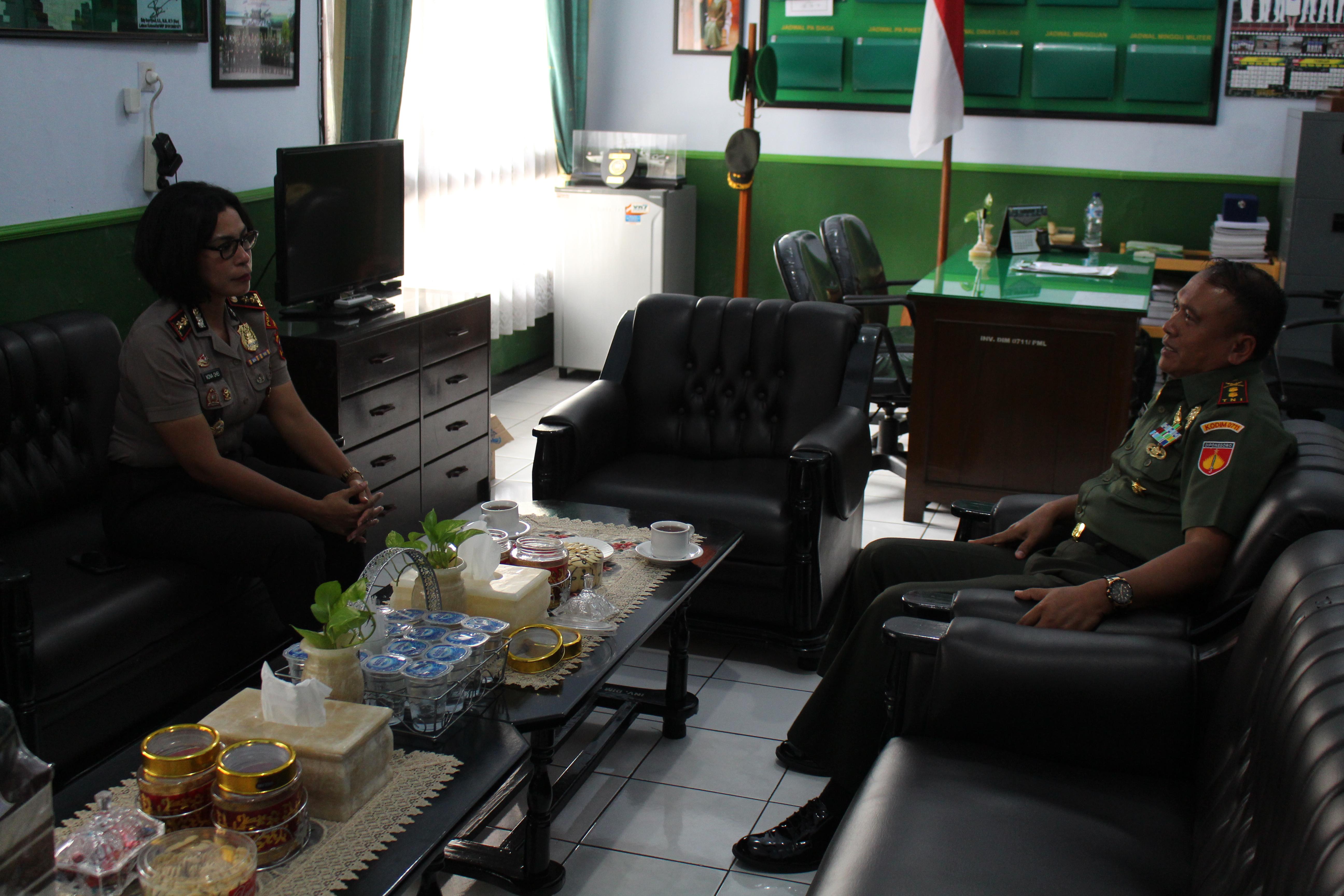 TINGKATKAN SINERGITAS TNI-POLRI, KAPOLRES PEMALANG BERSILATURAHMI KE KODIM 0711/PML