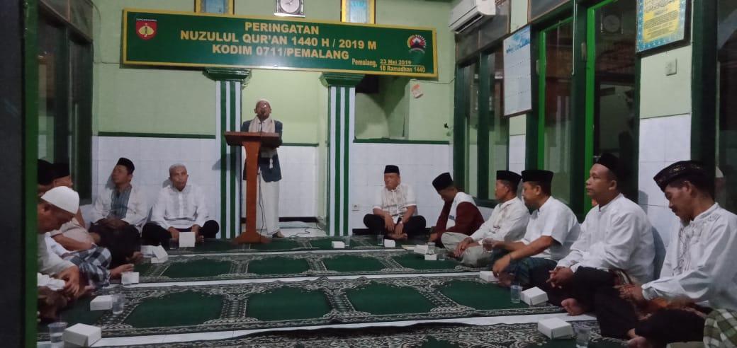 Kodim Pemalang Bersama Warga Sekitar Memperingati Nuzulul Qur'an 1440 H/2019