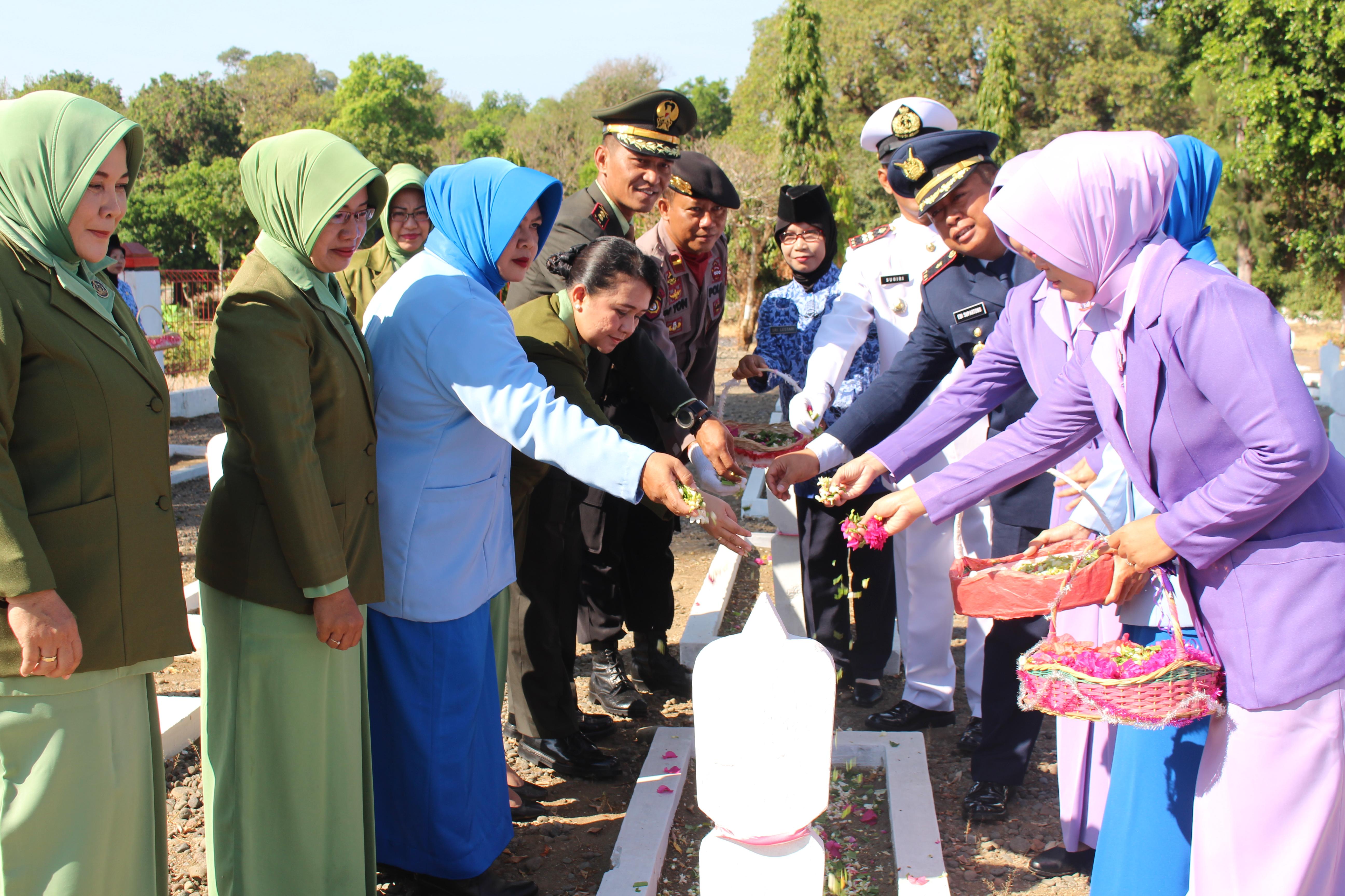 Peringati HUT ke 74 TNI dan ke 69 Kodam IV/Dip Tahun 2019, Kodim Pemalang Gelar Ziarah Nasional