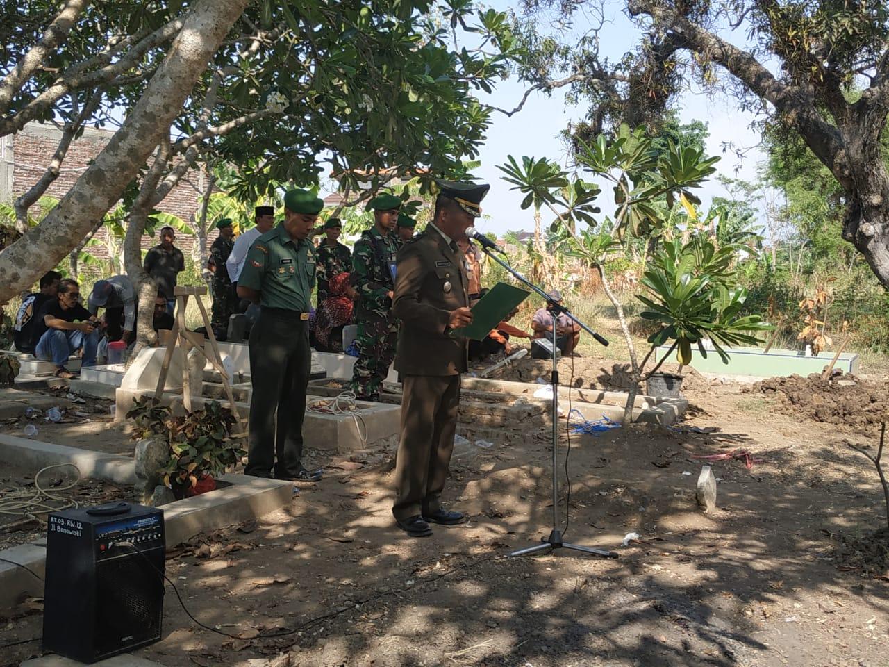 Kasdim Pemalang Pimpin Upacara Persemayaman dan Pemakaman Militer Pelda (Purn) Tarban