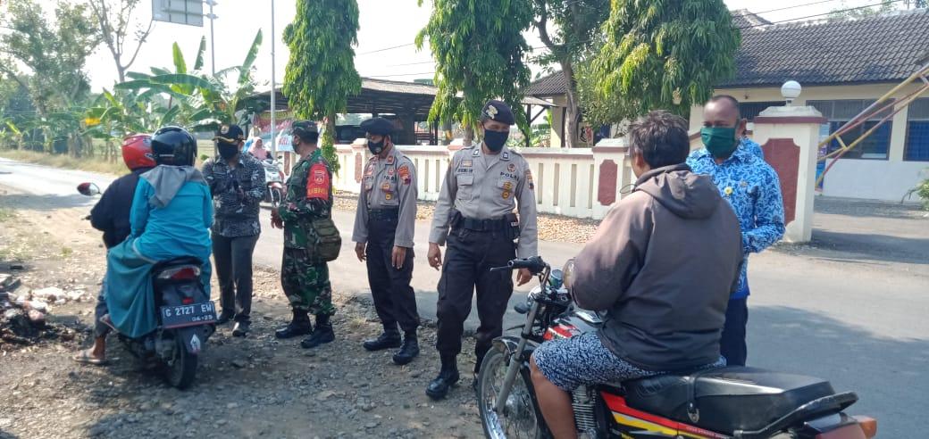 TNI dan POLRI Pemalang Terapkan Pendisiplinan Protokol Kesehatan di Wilayah Bodeh