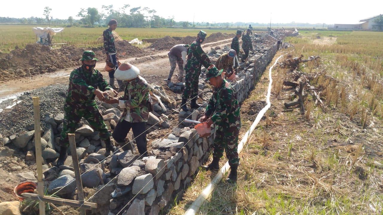 Pra TMMD, Program Sasaran Fisik Pembangunan Jalan Desa Ambokulon Dimulai.