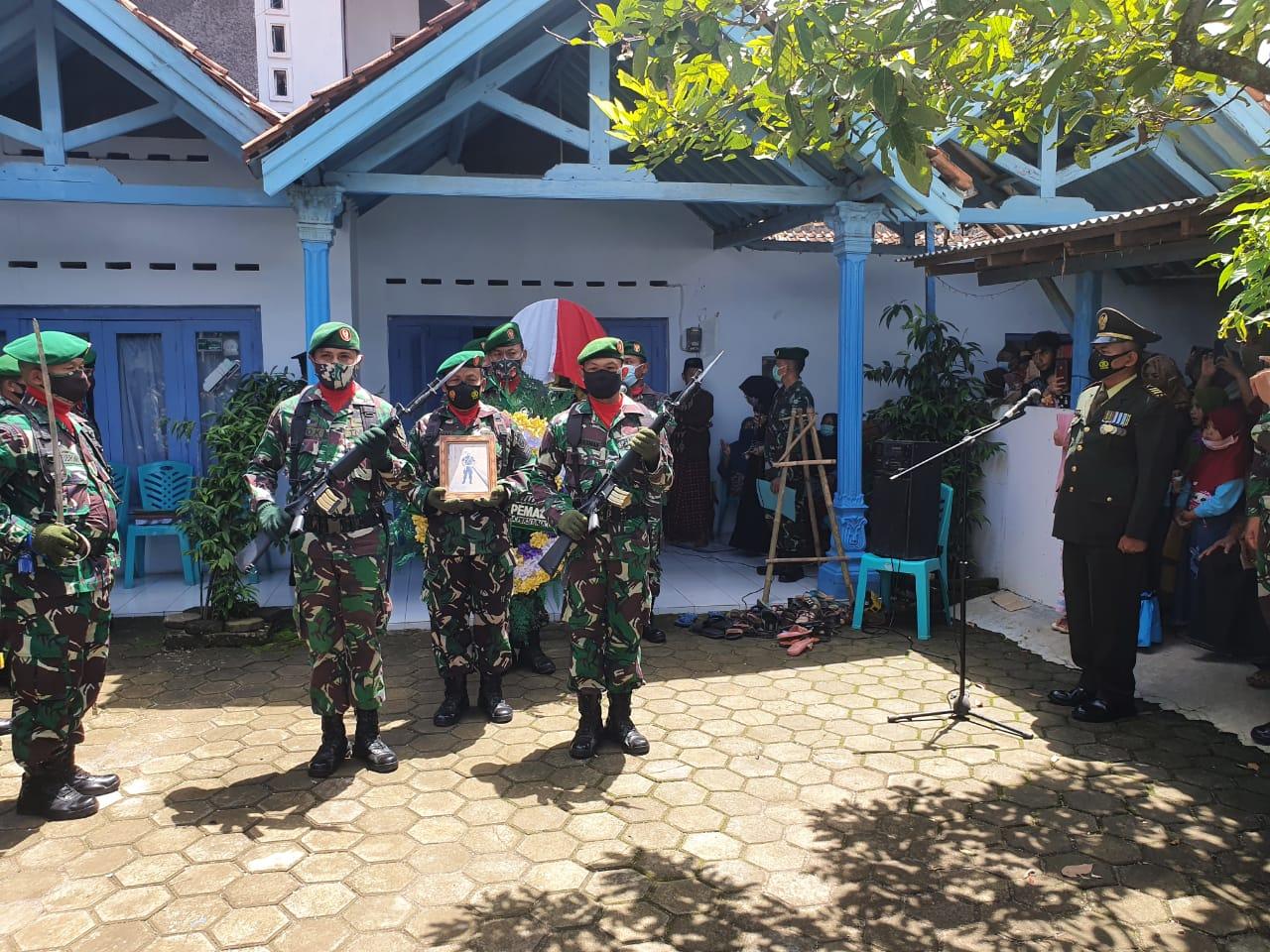 Kodim Pemalang Gelar Upacara Pemakaman Secara Militer Pelda (purn) Sarwoto