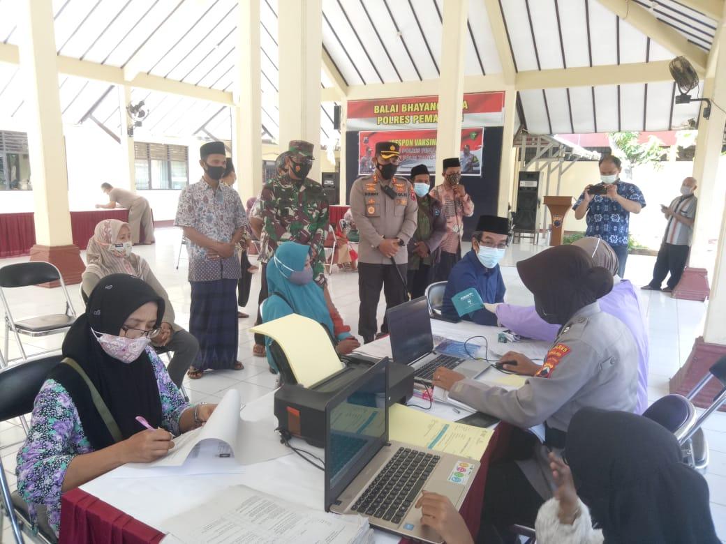 Pengurus PCNU Nahdatul Ulama Kab. Pemalang Divaksin